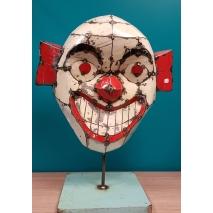 Un clown balinais en métal recyclé