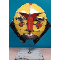 Masque artisanal et pièce unique