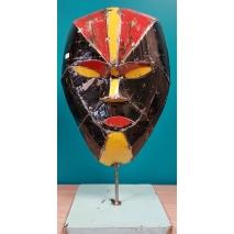 Masque balinais en métal.