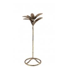 Un chandelier en forme de feuille